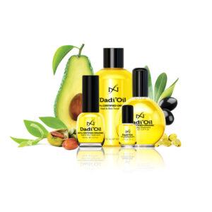 DADI 'OIL 95% GECERTIFICEERD ORGANISCH Gebruik Dadi'oil nagel & huid behandeling om het resultaat van IBX te versterken! Dadi'oil is een enorm fijn natuurproduct, gemaakt om de nagelplaat en de huid binnen te dringen en optimaal te verzorgen. Na het intrekken voelt de huid niet vettig aan. Dadi'oil bevat naast zuivere avocado-olie, extra virgine olijfolie, jojobaolie en puur natuurlijke vitamine E met maar liefst 21 essentiële oliën. Dadi'oil is vochtregulerend, ontstekingsremmend, biedt bescherming tegen oxidanten en heeft een heerlijke aroma, geschikt voor mannen en vrouwen. Gebruik Dadi'oil minstens viermaal daags. Druppel het achter je vrije rand en het loopt van zelf langs de zijwallen naar je nagelriemen toe. Masseer het zachtjes in en over de rest van je handen. Dadi' oil 3,75 ml - € 5,95 Dadi' oil 14,3 ml - € 17,50 Dadi' oil 72 ml - € 59,95 DADI 'LOTION FORMULE VOOR VOCHTRETENTIE Een snel opneembare, niet-vettige hand en body lotion, ontworpen om het vocht in de huid te behouden. En het verouderen van de huid te helpen voorkomen. Heeft de heerlijke geur van Dadi'oil. Bevat geen sulfaten of parabenen, zuiver plantaardig. Gebruik naar behoefte van handen en lichaam. Dadi' lotion 59 ml - € 9,95 Dadi' lotion 236 ml - € 24,95 Dadi' lotion 917 ml - € 74,95 Dadi' scrub 38 g - € 4,95 Dadi' scrub 133 g - € 19,95 Dadi' scrub 454 ml - € 44,95